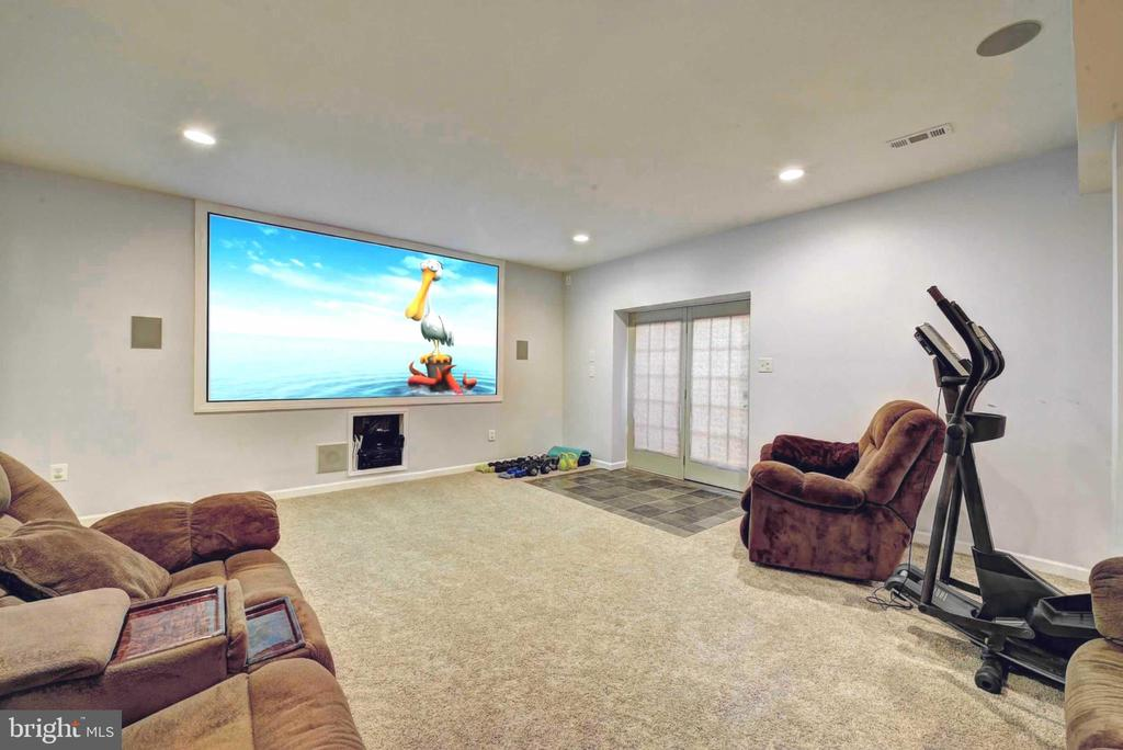 Fully finished lower level-TV system conveys! - 20305 MEDALIST DR, ASHBURN