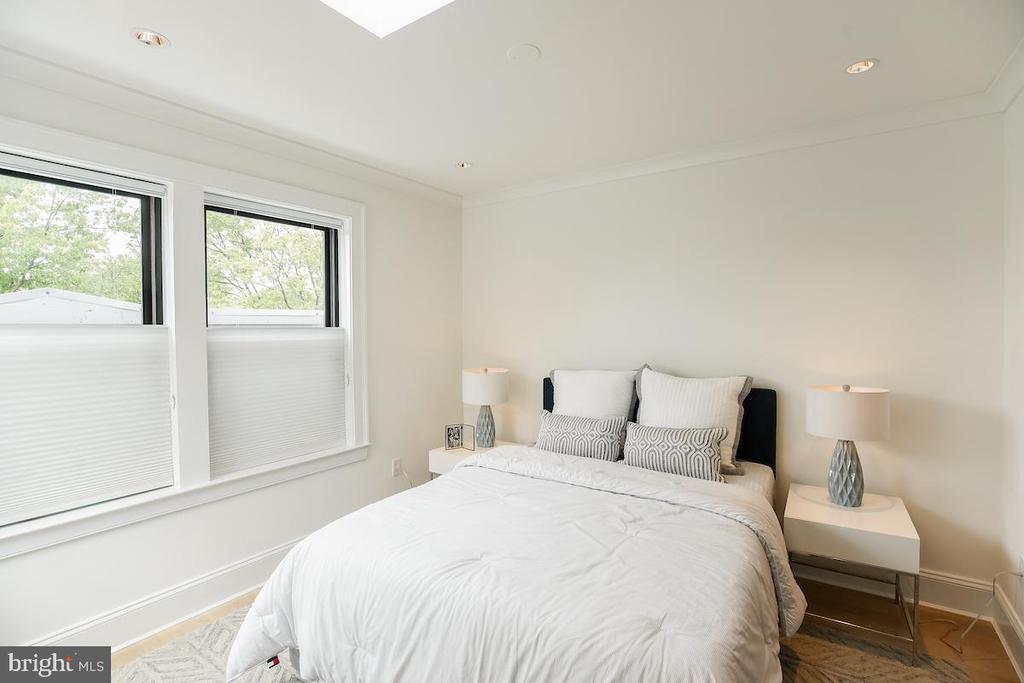 2nd comfortable bedroom - 715 K ST NE #2, WASHINGTON