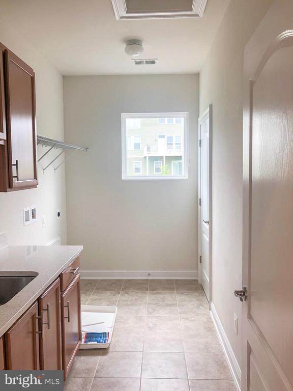 Laundry Room - 124 PENNS CHARTER LN, STAFFORD