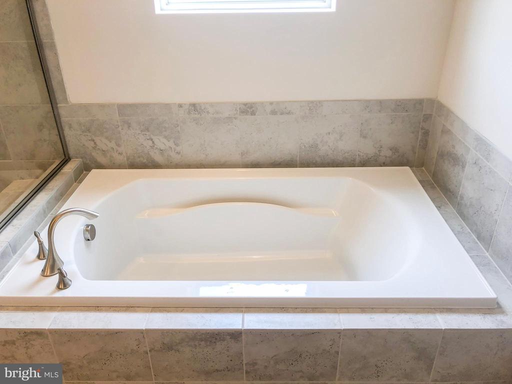Master Bathroom - 124 PENNS CHARTER LN, STAFFORD