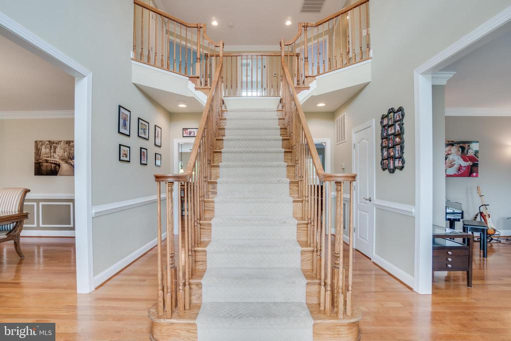 Stunning Bifurcated Staircase Upon Entry - 60 TURNSTONE CT, STAFFORD