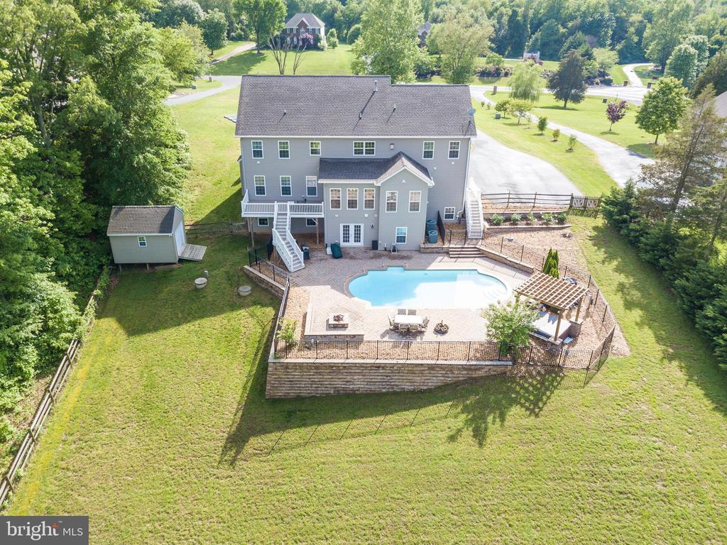 An Entertainer's Home with Pool, Patio & Hot Tub - 60 TURNSTONE CT, STAFFORD