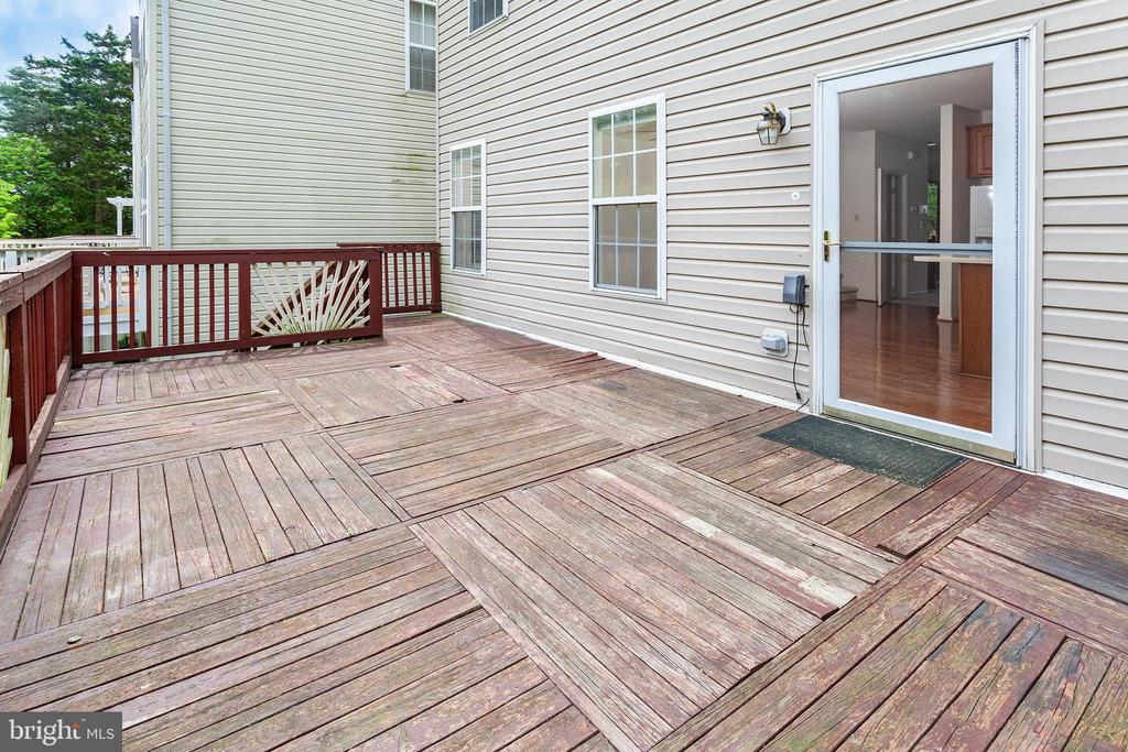 Deck leading to Kitchen - 4223 SONIA CT, ALEXANDRIA