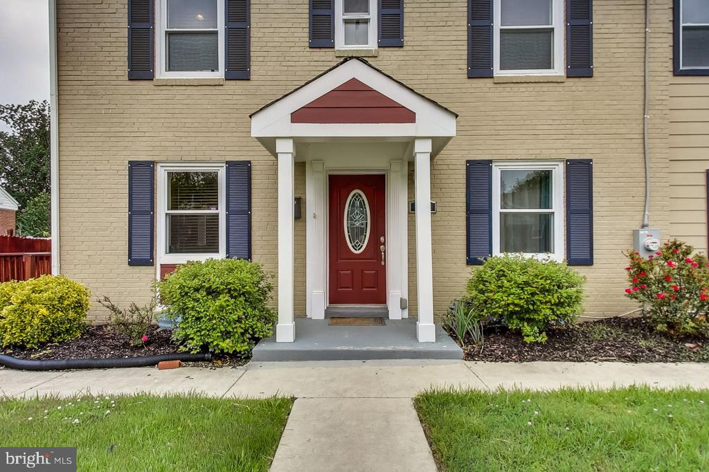 Welcome to 2700 Fairlawn Street - 2700 FAIRLAWN ST, TEMPLE HILLS
