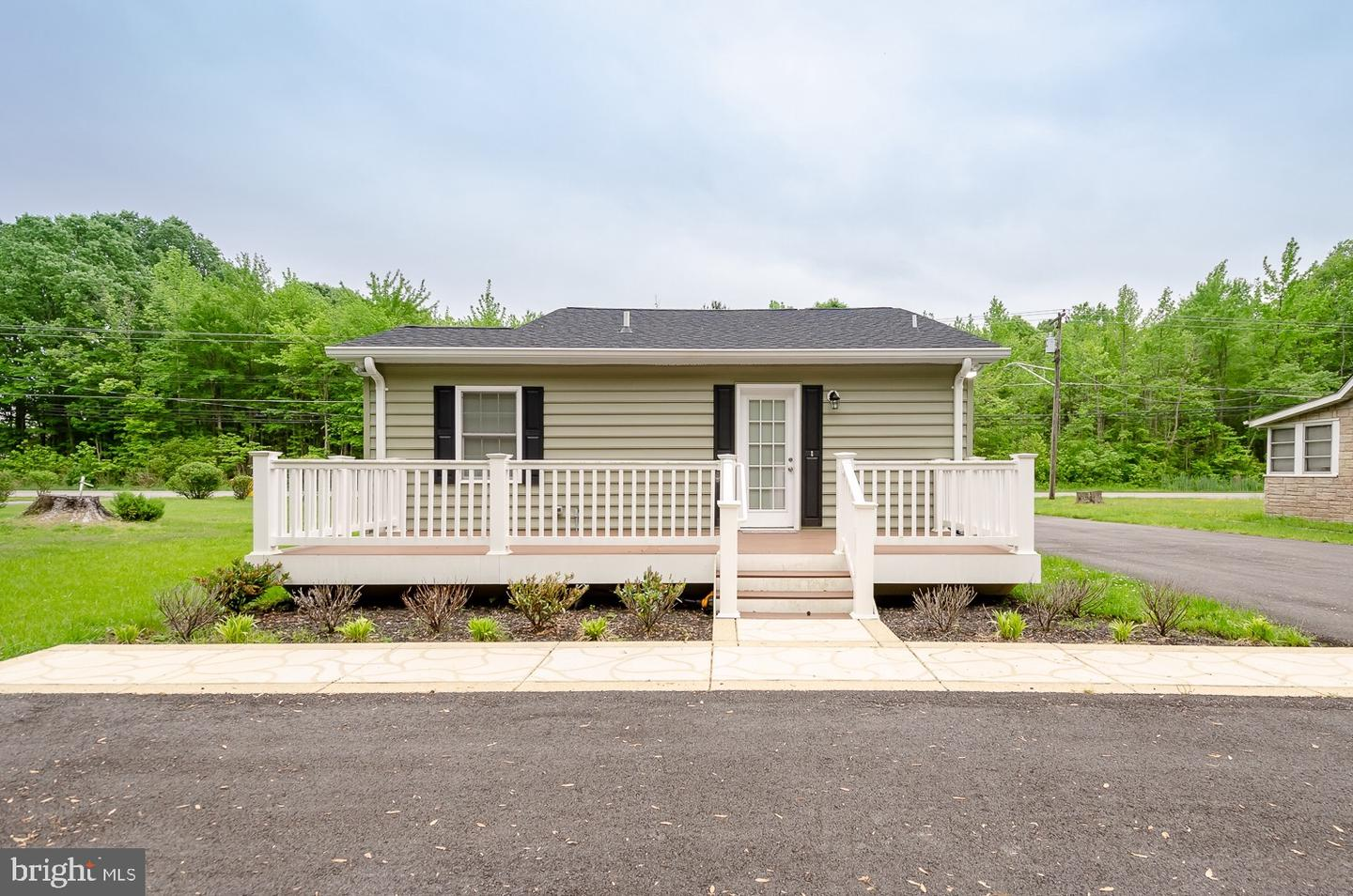 Additional photo for property listing at 5646 Deale Churchton Rd Churchton, Maryland 20733 United States