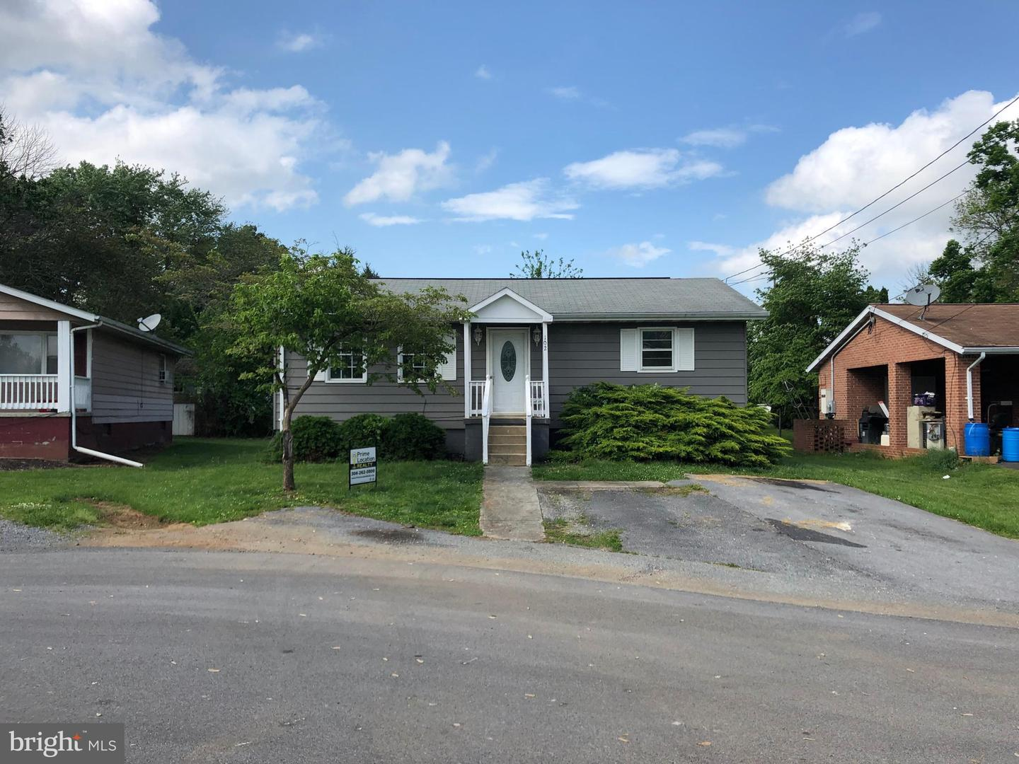 Single Family for Sale at 102 Evitts Dr Ranson, West Virginia 25438 United States
