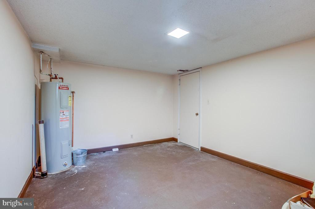 Unprecedented Private Storage Room Just For You - 2950 S COLUMBUS ST #B1, ARLINGTON