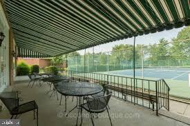 12 Tennis Courts For Your Pleasure - 2950 S COLUMBUS ST #B1, ARLINGTON