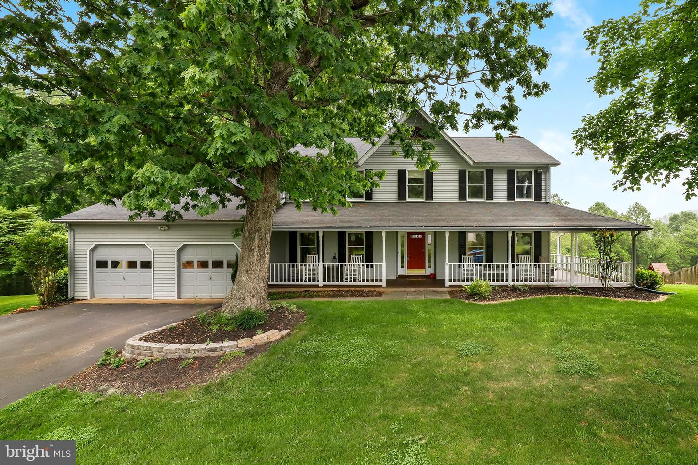 Single Family for Sale at 7144 Cavalry Dr Warrenton, Virginia 20187 United States