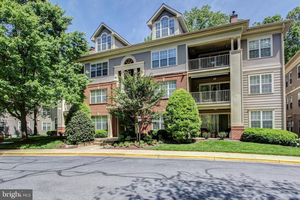 127  TIMBERBROOK LANE  102, Gaithersburg, Maryland