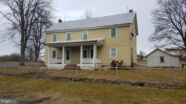 Single Family Homes para Venda às Reinholds, Pensilvânia 17569 Estados Unidos