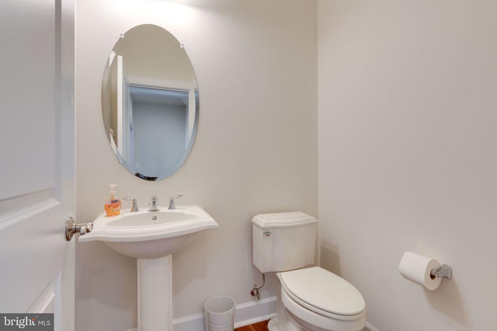 Half Bath on main level - 14 SORREL LN, STAFFORD