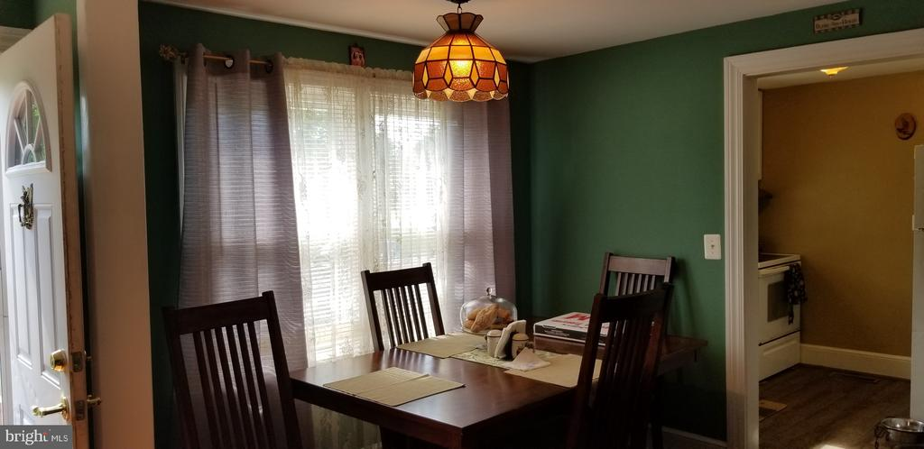 Dining room pic # 2 - 115 MOUNTAIN AVE, FREDERICKSBURG