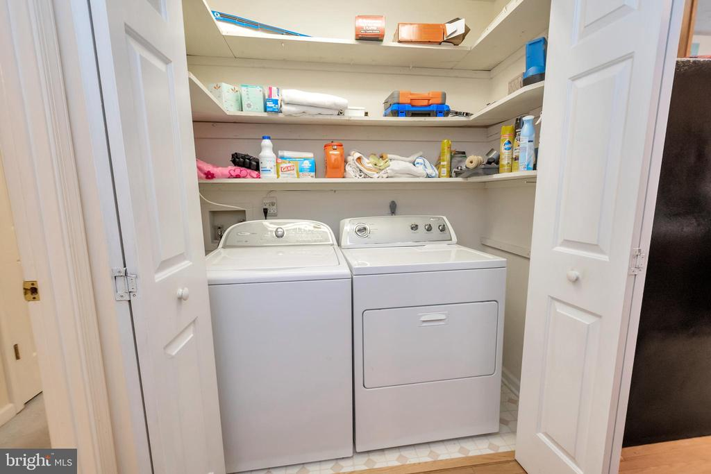 Washer/Dryer area - 107 GREEN ST, LOCUST GROVE