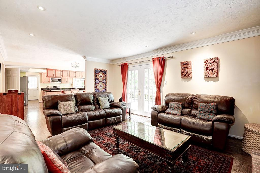 Family Room - 2330 CLUB POND LN, RESTON
