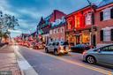 Walk to Historic Leesburg shops and restaurants - 109 WILSON AVE NW, LEESBURG