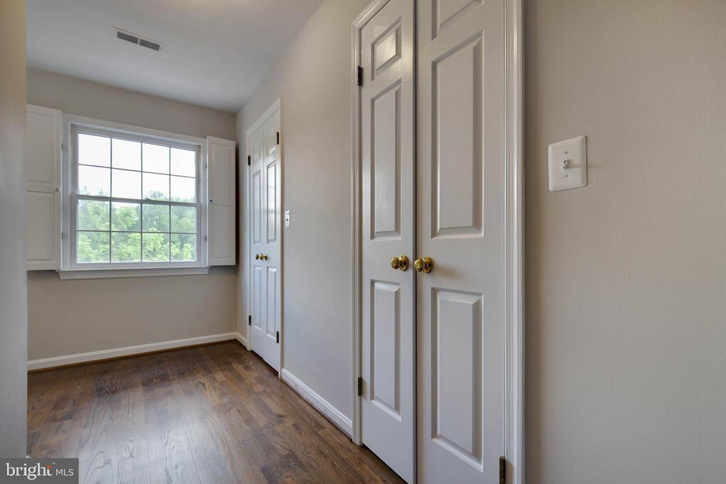 Master bedroom walk in closets - 23210 DOVER RD, MIDDLEBURG