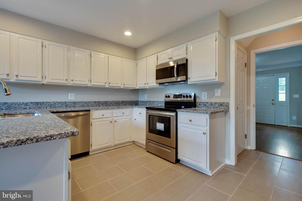New kitchen tile - 23210 DOVER RD, MIDDLEBURG