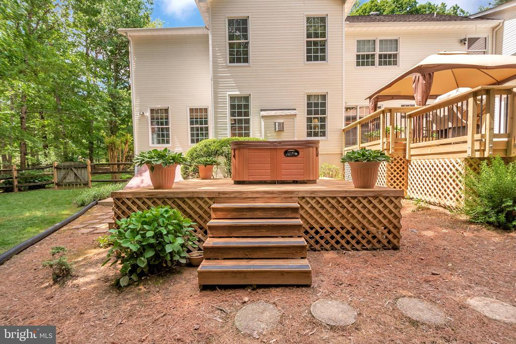 New Deck and Hot Tub Conveys - 11325 FAWN LAKE PKWY, SPOTSYLVANIA