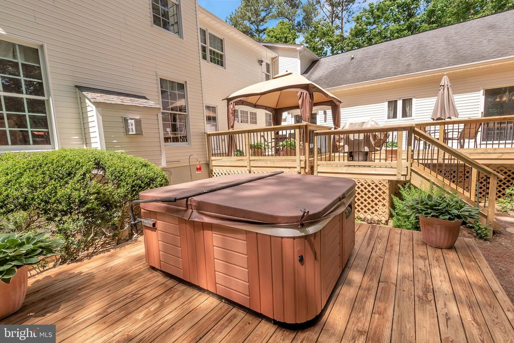 Get ready for some relaxing evenings or anytime - 11325 FAWN LAKE PKWY, SPOTSYLVANIA