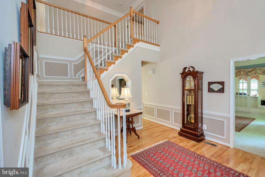 Center Hall Colonial with hardwood floors - 11325 FAWN LAKE PKWY, SPOTSYLVANIA