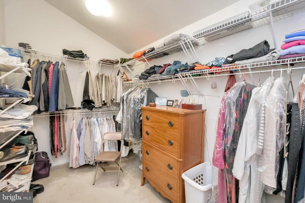 Large closet - 11325 FAWN LAKE PKWY, SPOTSYLVANIA