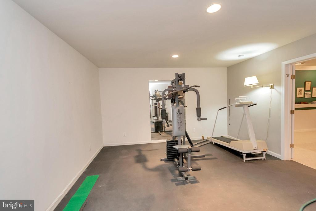 Get in shape with a home gym.  Bring your eqip. - 11325 FAWN LAKE PKWY, SPOTSYLVANIA