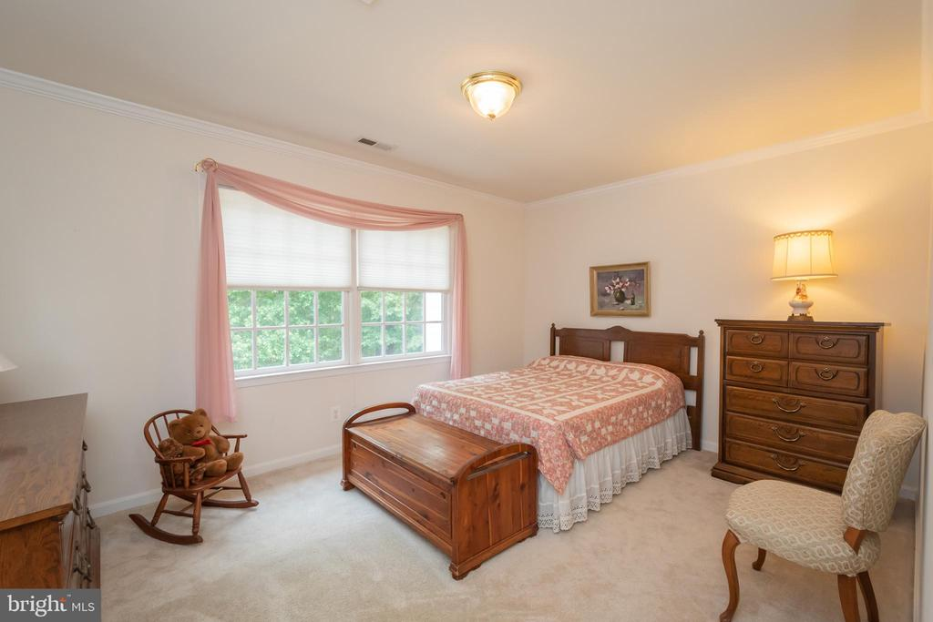 secondary bedrooms are large and comfortable - 11325 FAWN LAKE PKWY, SPOTSYLVANIA