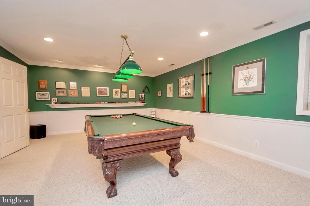 with pool table that conveys - 11325 FAWN LAKE PKWY, SPOTSYLVANIA