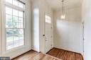 Bright Foyer with high ceiling - 8033 KIDWELL HILL CT, VIENNA