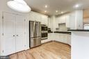 New Stainless Appliances in kitchen - 8033 KIDWELL HILL CT, VIENNA