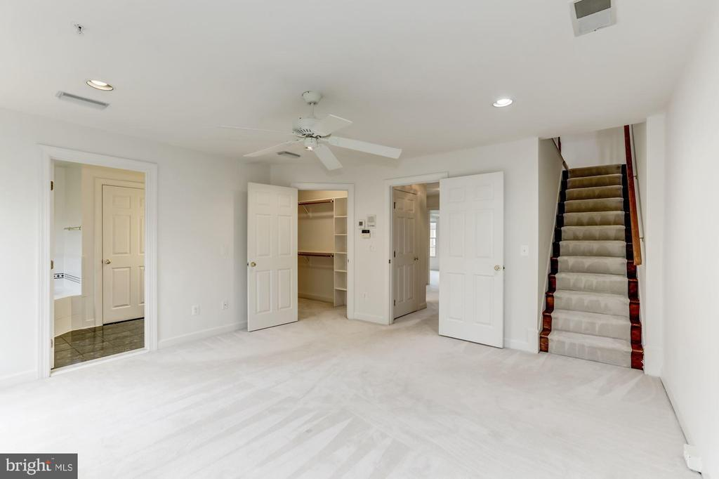 Stairs to 4rth Level Loft - 8033 KIDWELL HILL CT, VIENNA