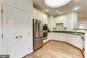 Tons of Cabinets - 8033 KIDWELL HILL CT, VIENNA