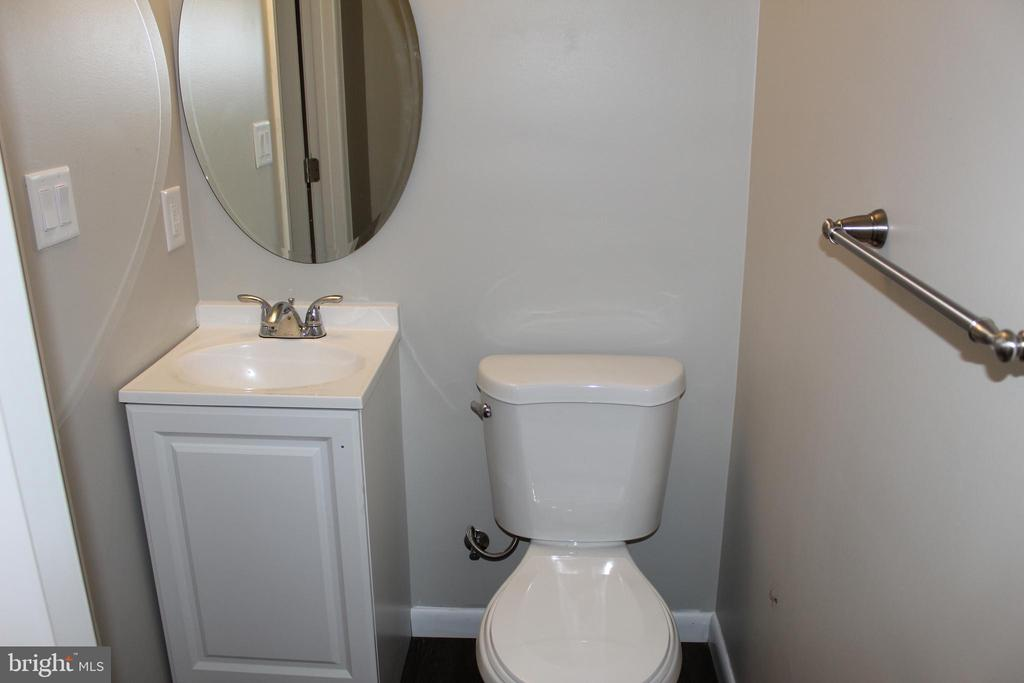 lower level bathroom - 3307 NE AMES ST NE, WASHINGTON