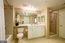 En-suite bathroom #1 with tub and shower stall - 851 N GLEBE RD #320, ARLINGTON