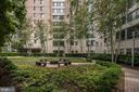 Courtyard Views - 851 N GLEBE RD #320, ARLINGTON