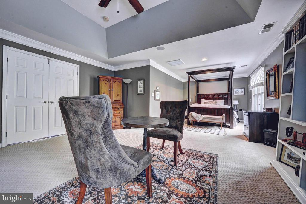 Master Bedroom with sitting room - 20305 MEDALIST DR, ASHBURN