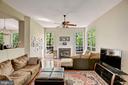 Family Room & Fireplace - 43266 MEADOWOOD CT, LEESBURG