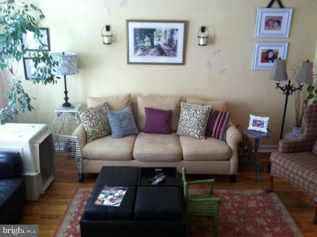 Owners set up of living room from stairwell - 4668 36TH ST S #B, ARLINGTON