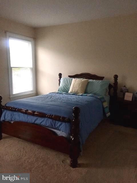 Second bedroom on upper level. - 1503 S OAKLAND ST, ARLINGTON