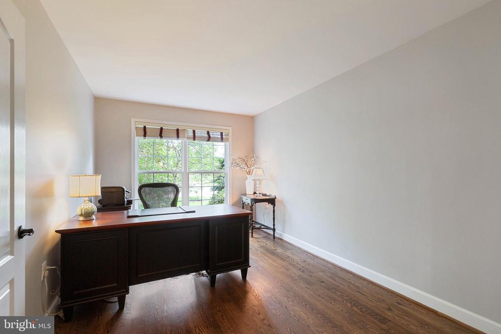 Office - 21384 CLAPPERTOWN DR, ASHBURN