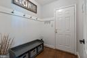 Mudroom off oversize garage - 21384 CLAPPERTOWN DR, ASHBURN