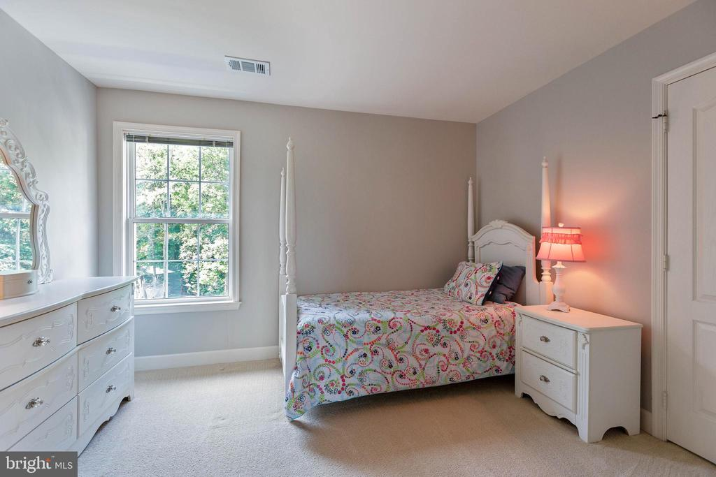 Bedroom 3 - 21384 CLAPPERTOWN DR, ASHBURN