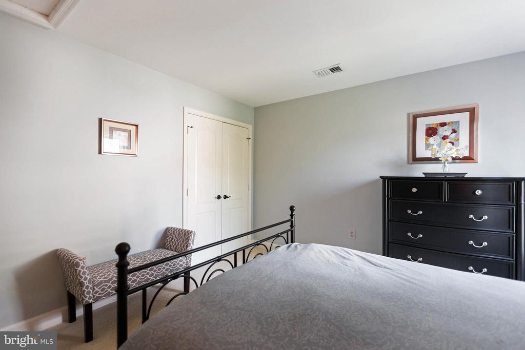 Bedroom 2 - 21384 CLAPPERTOWN DR, ASHBURN
