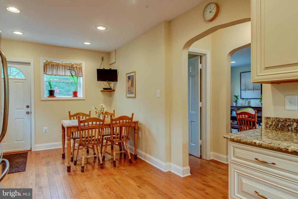 Eat-in Kitchen - 3119 LAKE AVE, CHEVERLY