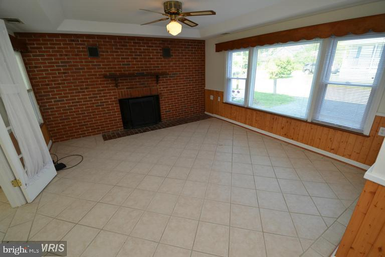 Additional photo for property listing at  Shady Side, Maryland 20764 Estados Unidos
