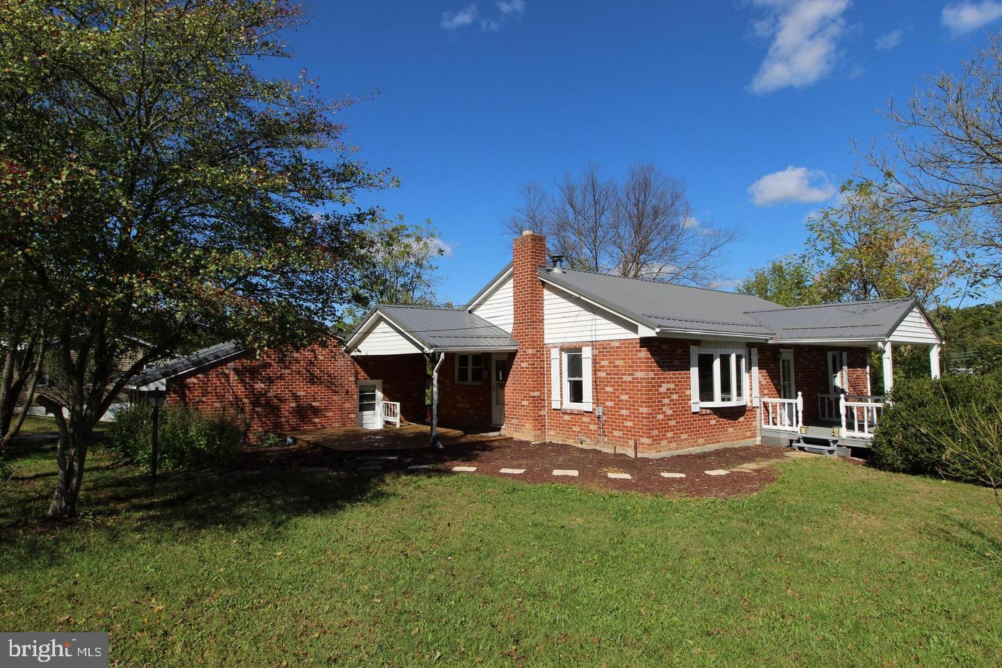 Single Family for Sale at 7225 Martinsburg Rd Berkeley Springs, West Virginia 25411 United States
