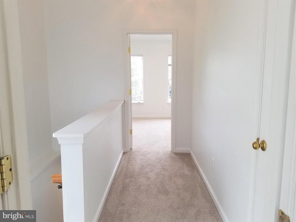 Hallway - 433 ANDROMEDA TER NE, LEESBURG