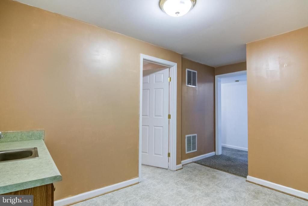 bonus room looking to bath and theater room - 125 WALNUT FARMS PKWY, FREDERICKSBURG