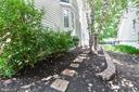 Pathway to back yard and patio - 430 BIRDIE RD, LOCUST GROVE